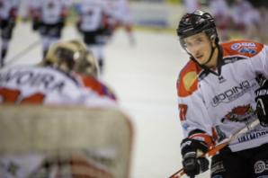 Hockey Ghiaccio: la Valpe e Pozzi continuano