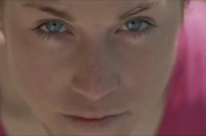 Arrampicata: Federica Mingolla protagonista del video dei Tiromancino