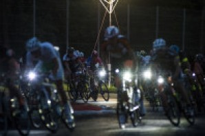 Al via la 12H Cycling Marathon, gran fondo notturna in scena all'Autodromo di Monza