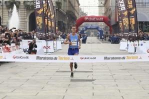 Alessandro Giacobazzi trionfa alla Maratona di Torino