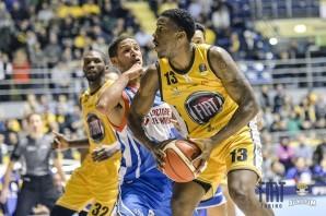 Basket: non basta la reazione finale, Cantù batte la Fiat Torino