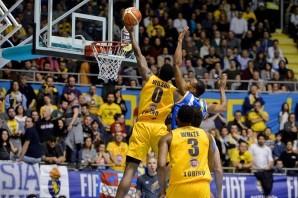 Basket: per la Fiat Torino c'è Ryan Hollins