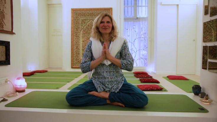 Tutorial Yoga - Saluto al Sole con Elisabetta Porta @ Shanti-Vana Torino