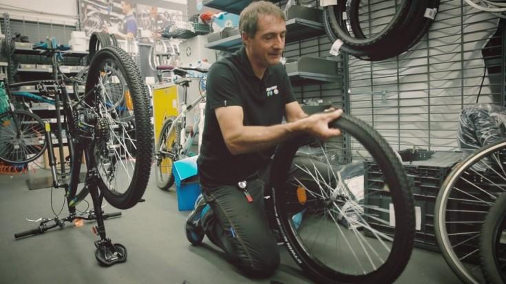 Come cambiare la ruota della bici - SporTorino loves Tutorial