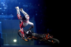 Vinci 2 biglietti omaggio per Motocross Freestyle: Night of the Jumps