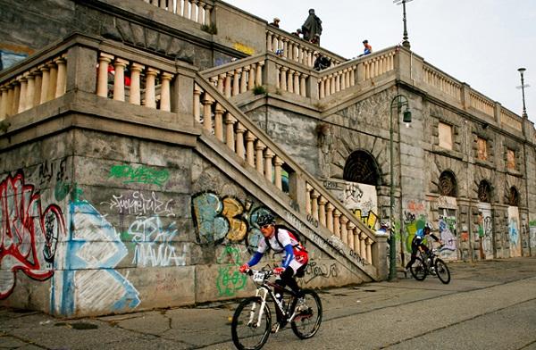 mountain bike - torino vertical bike