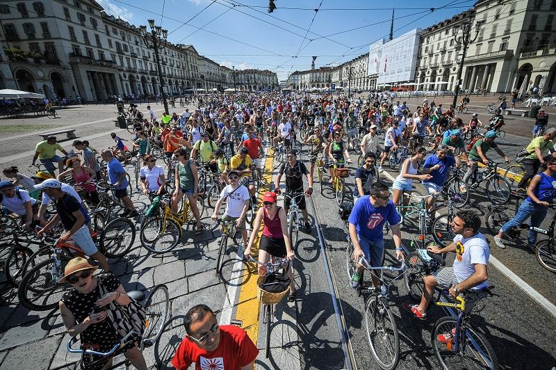 Bike Pride, una grande pedalata contro i luoghi comuni della bicicletta